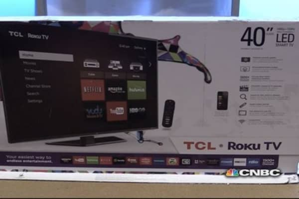 TCL Roku TV unboxing: First impressions