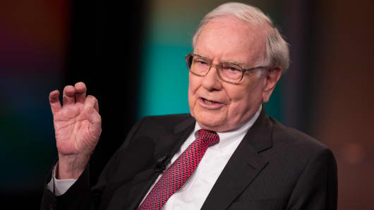 Warren Buffett explains why he never listens to economists