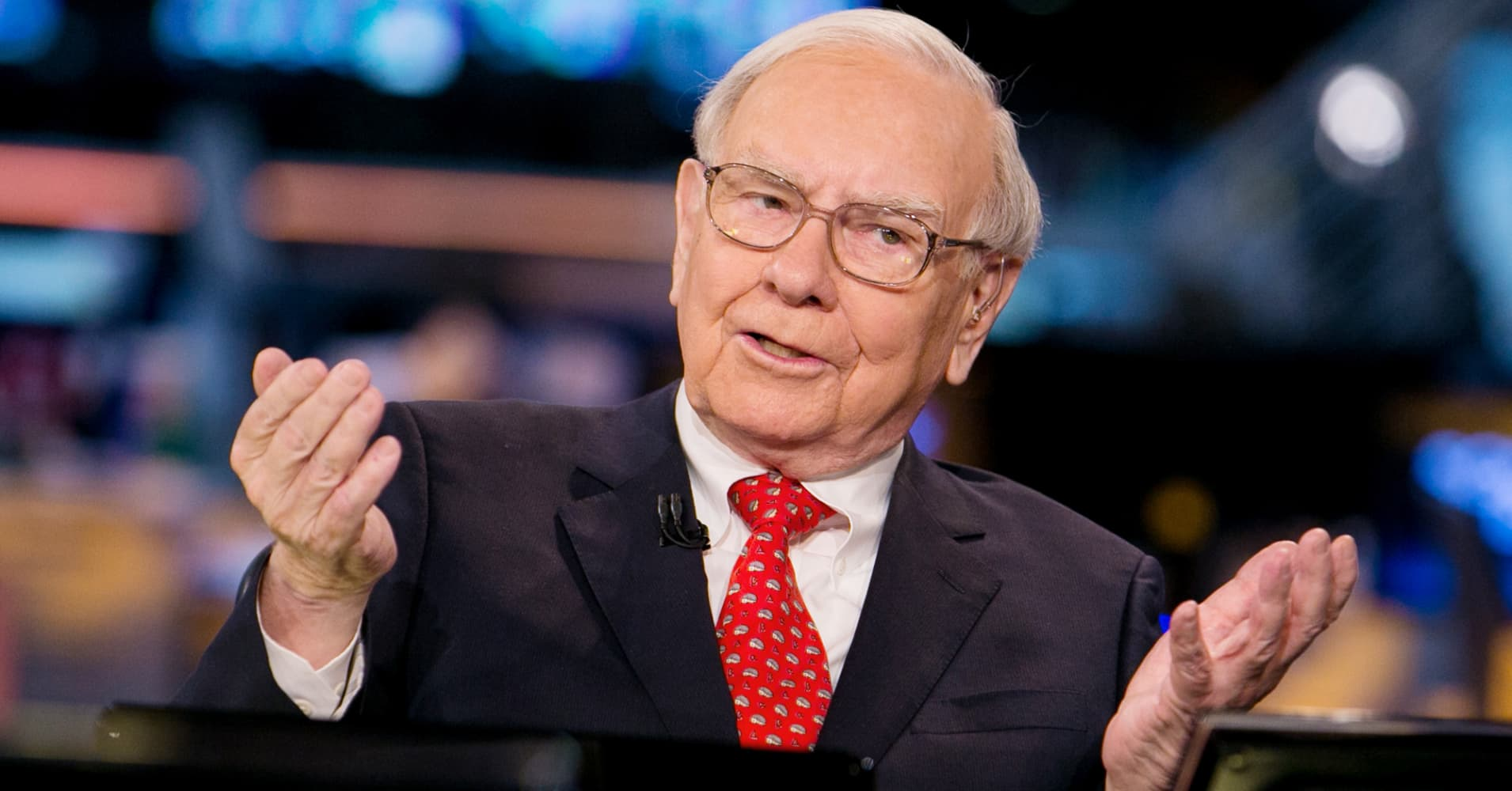 warren buffet junk bonds of the But warren buffett has some great advice for these situations: be greedy  high- yield bond prices have begun to rebound, and the outlook.