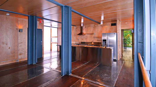 DC shipping container apartments
