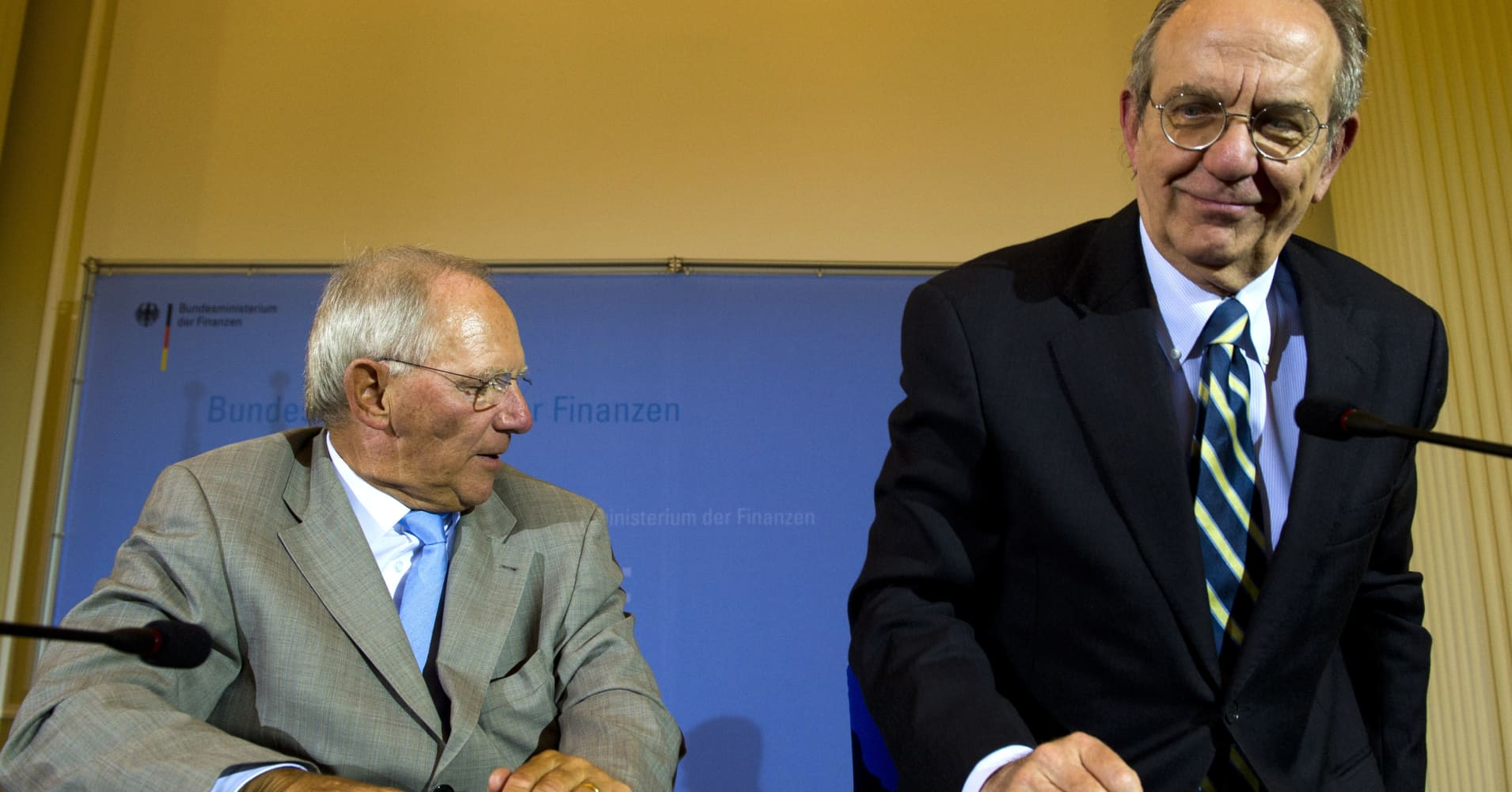 europe leaders discuss euro zone outlook - Wolfgang Schauble Lebenslauf