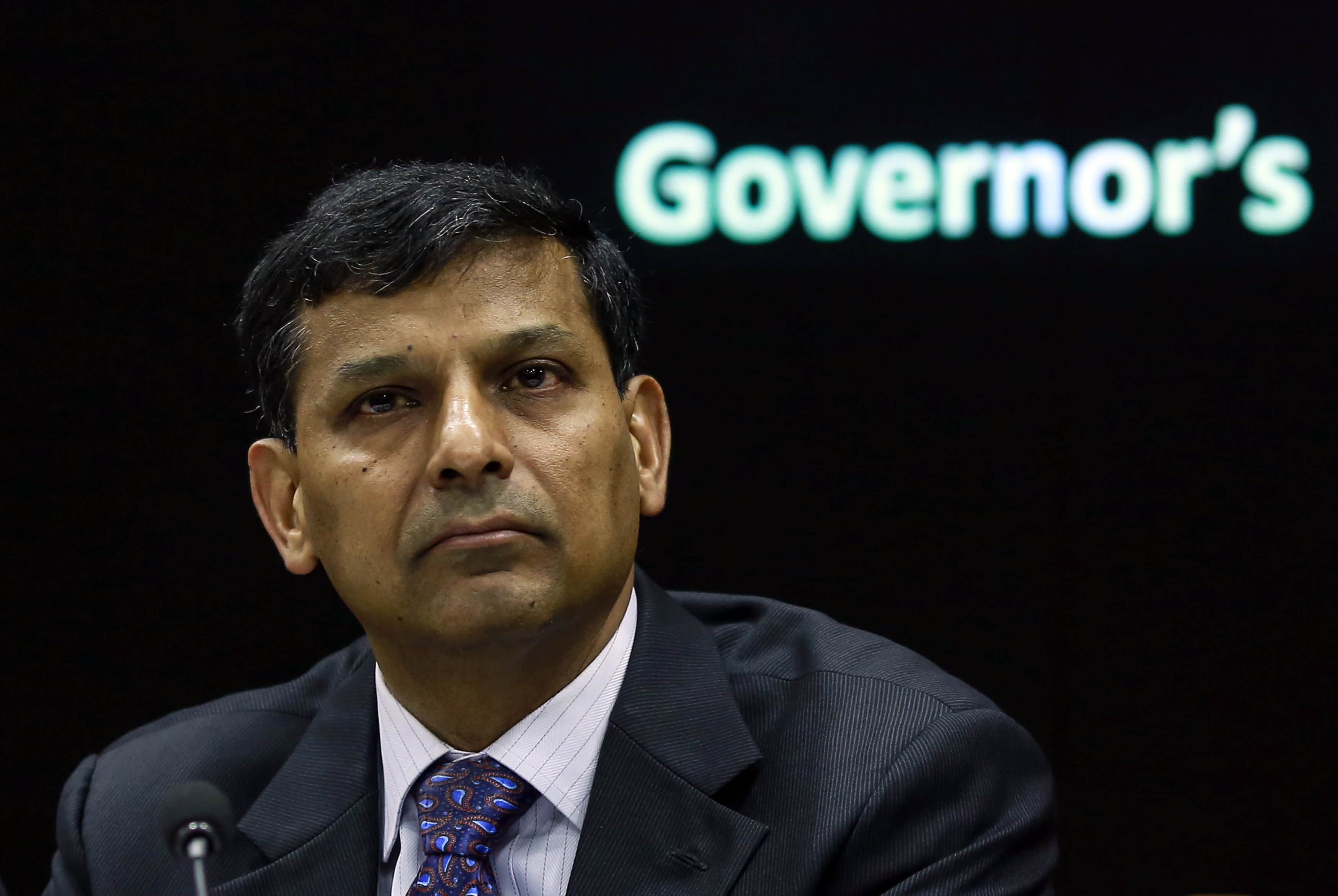 storm clouds gather over rajan at reserve bank of india policy meeting