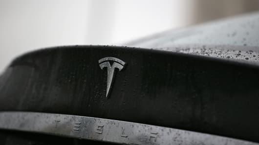 463437967TN033_Tesla_Launch