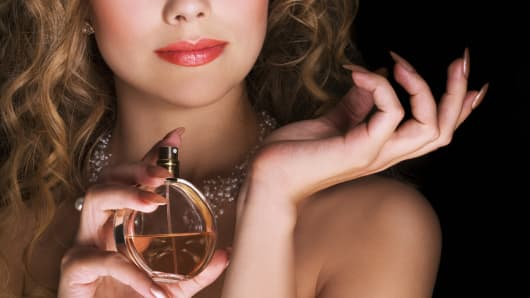 woman applying perfume, perfume, fragrance, women's perfume