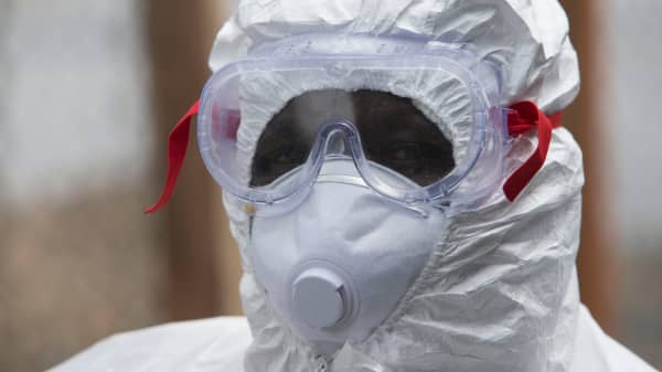 Ebola hazmat suit mask