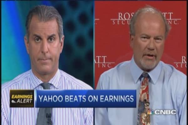 Pro talks Yahoo: Stay on sidelines