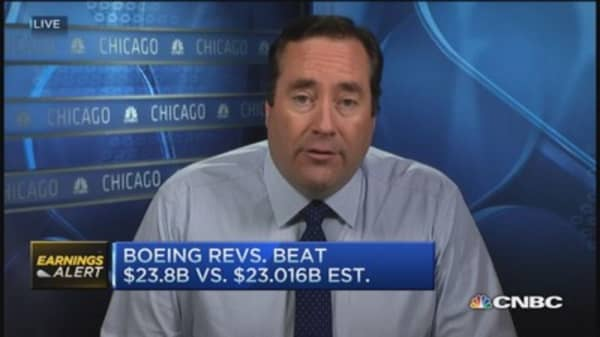 Boeing's Q3 beats Street, raises guidance