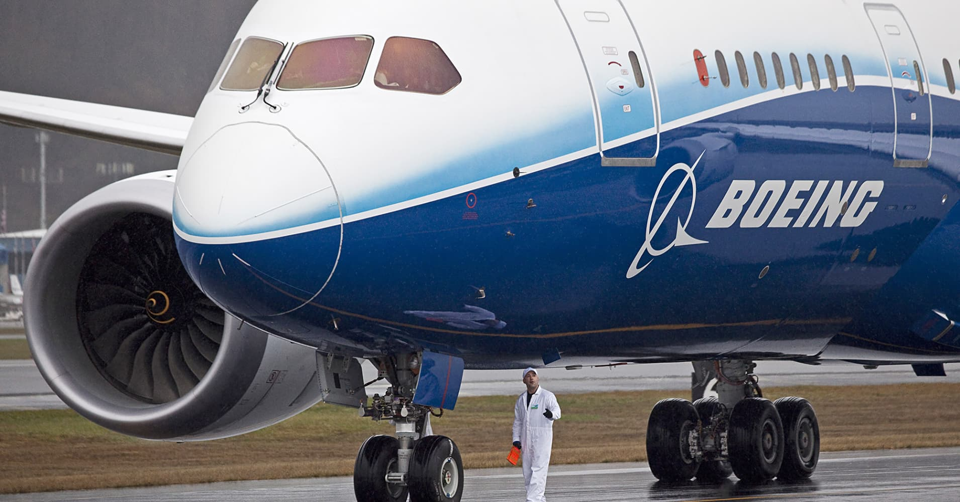 Boeing gets 1,880 union workers to take voluntary layoffs
