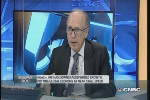 Roach: Fiscal spending could lead to bubbles