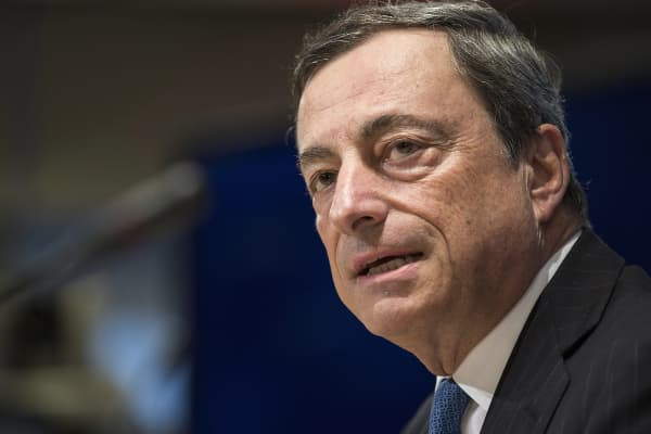 European Central Bank Governor Mario Draghi speaks at a news conference during the World Bank/IMF annual meetings in Washington, Oct. 11, 2014.
