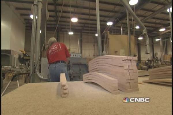 U.S. furniture manufacturers mount comeback