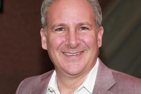 Trader takes on Peter Schiff