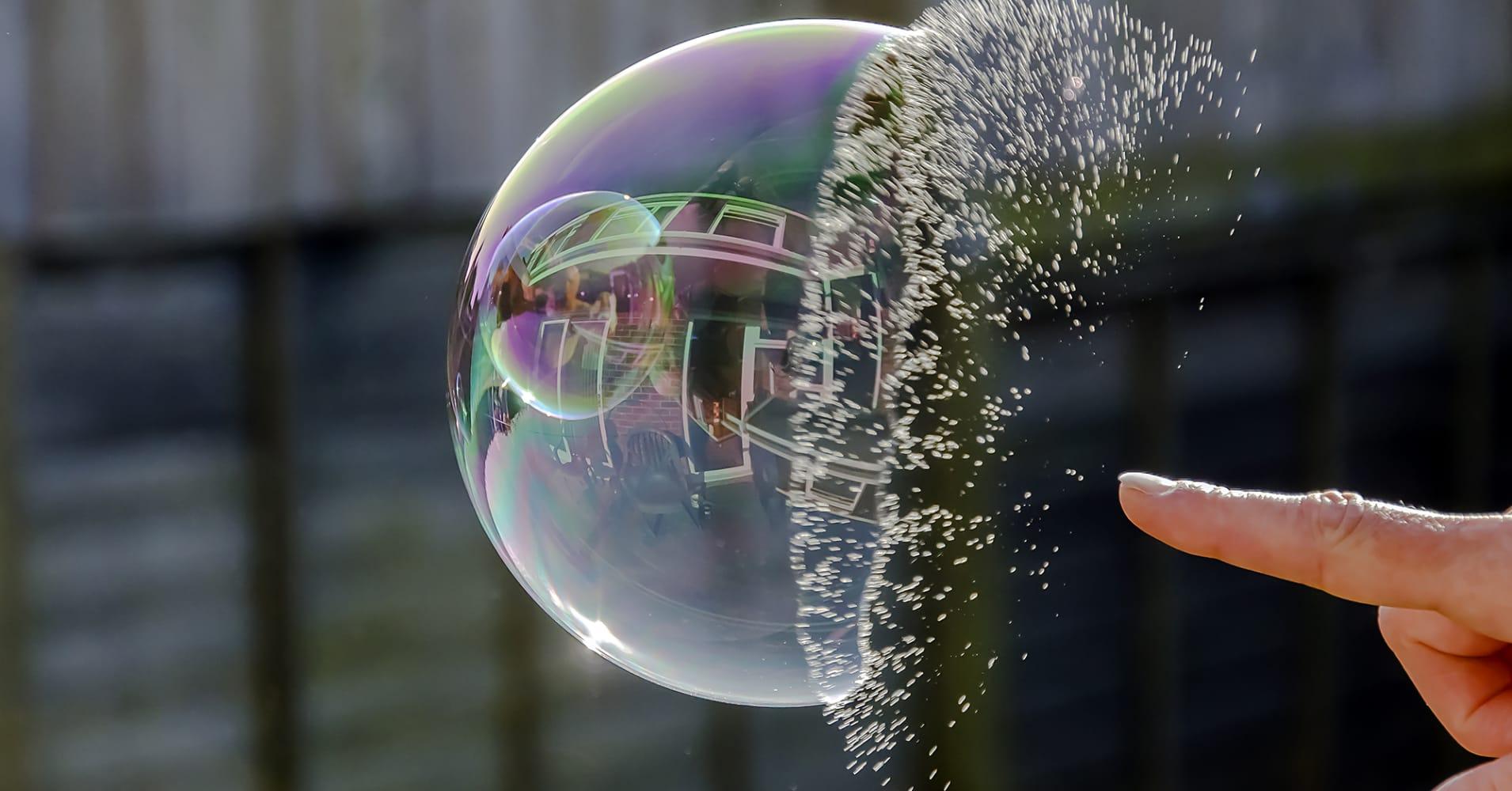Tech Stocks Flashing A Warning Similar To Before Dotcom Bubble Popped