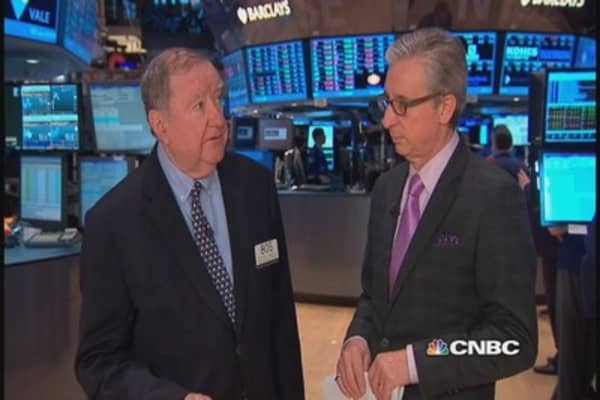 Cashin says Visa a one-man band, watch oil