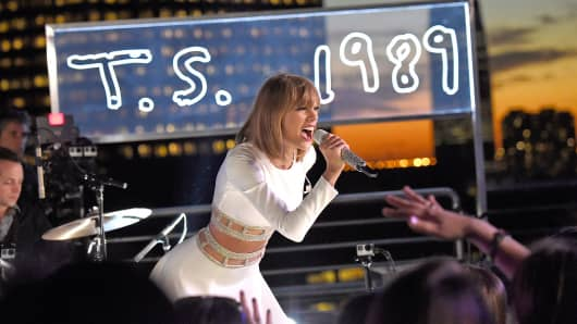 Taylor Swift performs during her 1989 Secret Session with iHeartRadio in New York, Oct. 27, 2014.