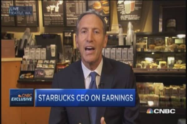 Starbucks CEO: Apple Pay great for SBUX