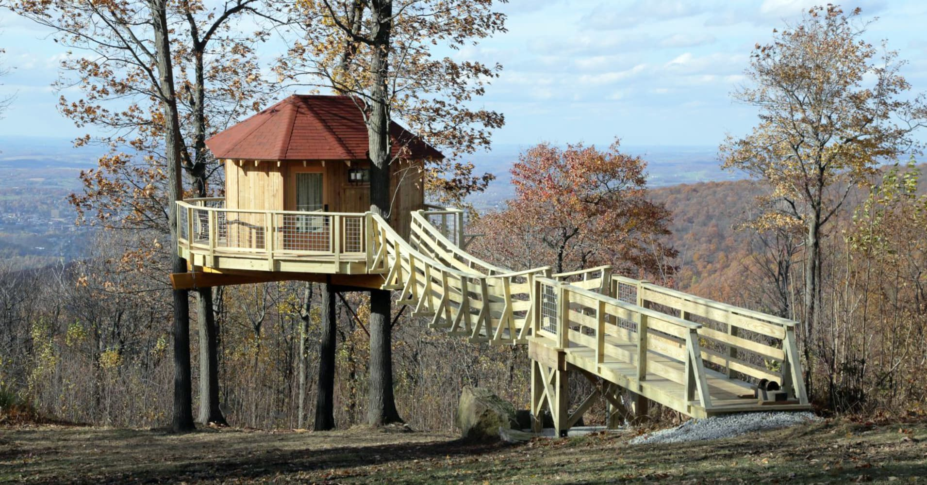 treehouses not just for kids anymore - Treehouse Masters Tree Houses Inside