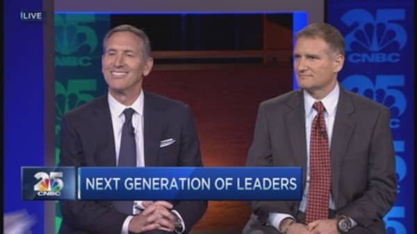Howard Schultz: Performance through lens of humanity