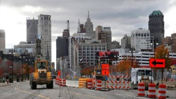 Judge approves Detroit's bankruptcy exit plan