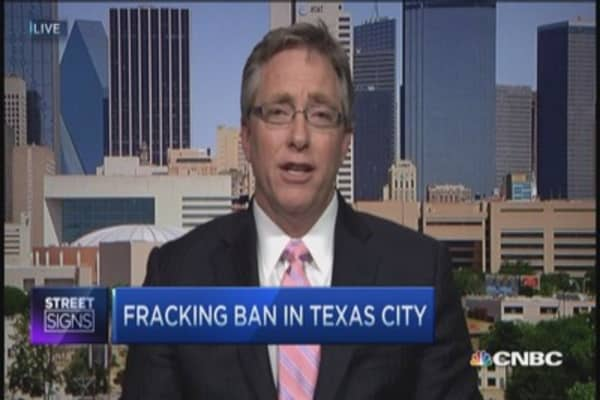 Big fracking fight in small Texas town