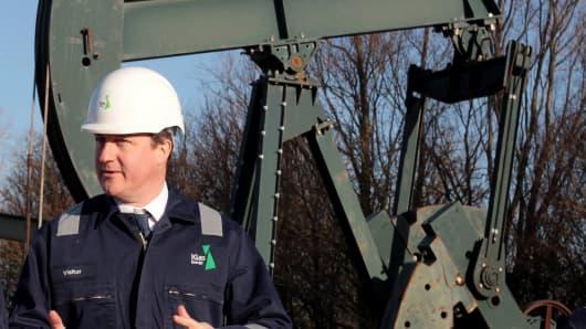 UK PRIME MINISTER OIL DEPOT VISIT