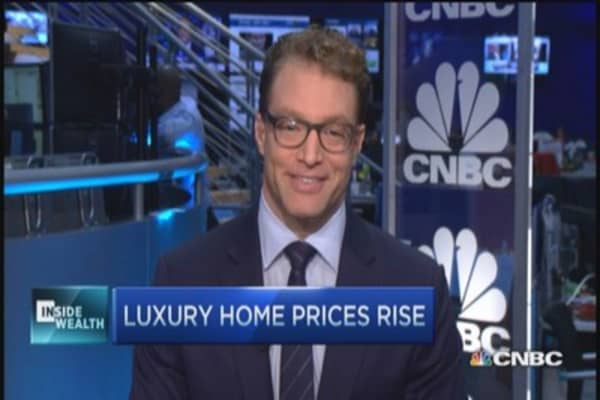 Luxury home prices rise