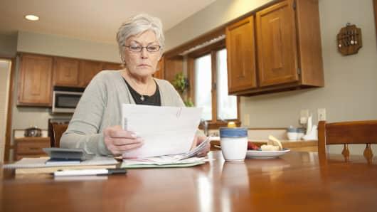 personal finance paying bills