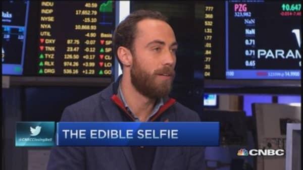 Boomf: The edible selfie