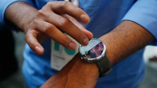 Motorola Moto 360 Android Wear watch
