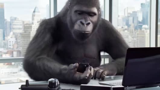 A still image from a Corning Gorilla Glass 4 promo video