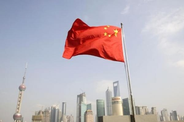 China cuts rates, Draghi ready to act