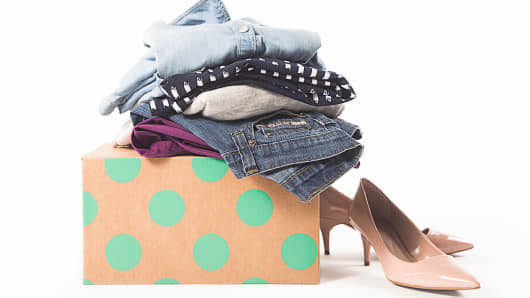 ThredUP sells over 25,000 brands of clothing.