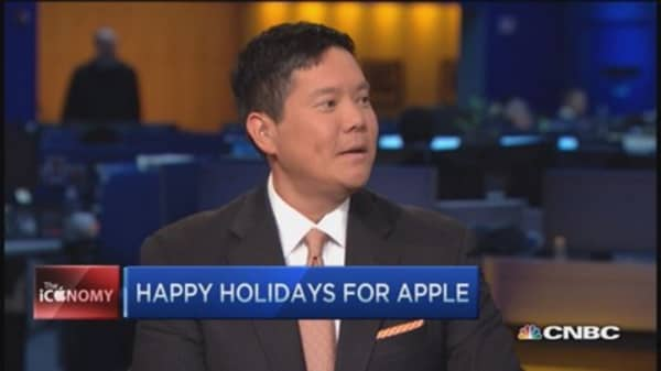 Apple eyes holiday sales