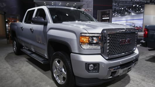 2015 GMC Sierra Pickup.