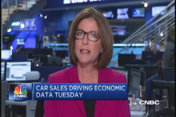 Plummeting oil prices to drive car sales