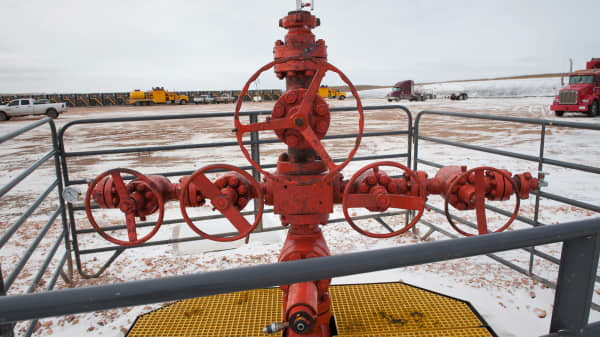 A new oil well head waits to be fracked at a Hess site near Williston, N.D.