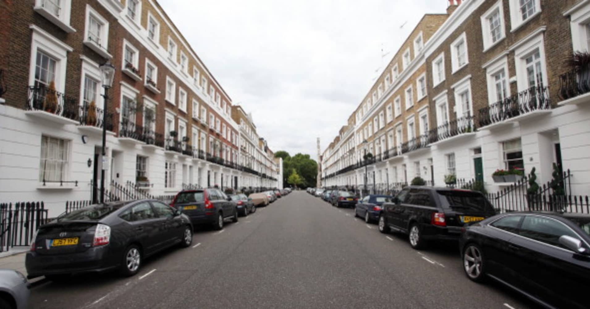 Dollar buyers are the big winners as prime London property tumbles