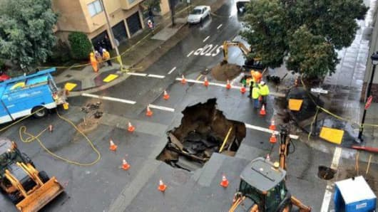 The San Francisco sinkhole for rent on Craigslist.