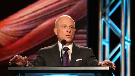 CEO of Starz, Chris Albrecht.