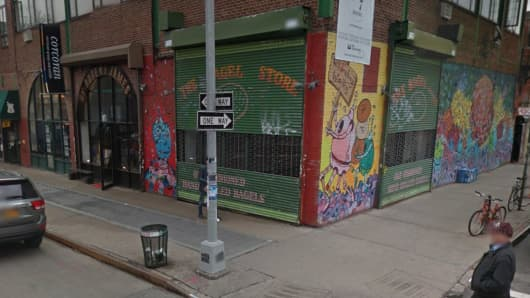 247 Bedford Ave is rumored to be the location of a new Apple Store in Williamsburg, Brooklyn.