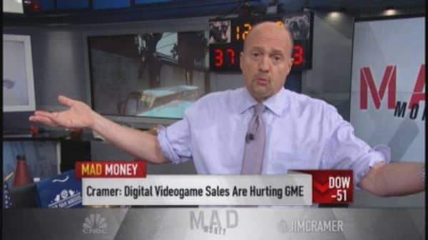 GameStop stuck behind rock & hard place: Cramer