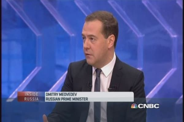 Russia PM talks sanctions, economy
