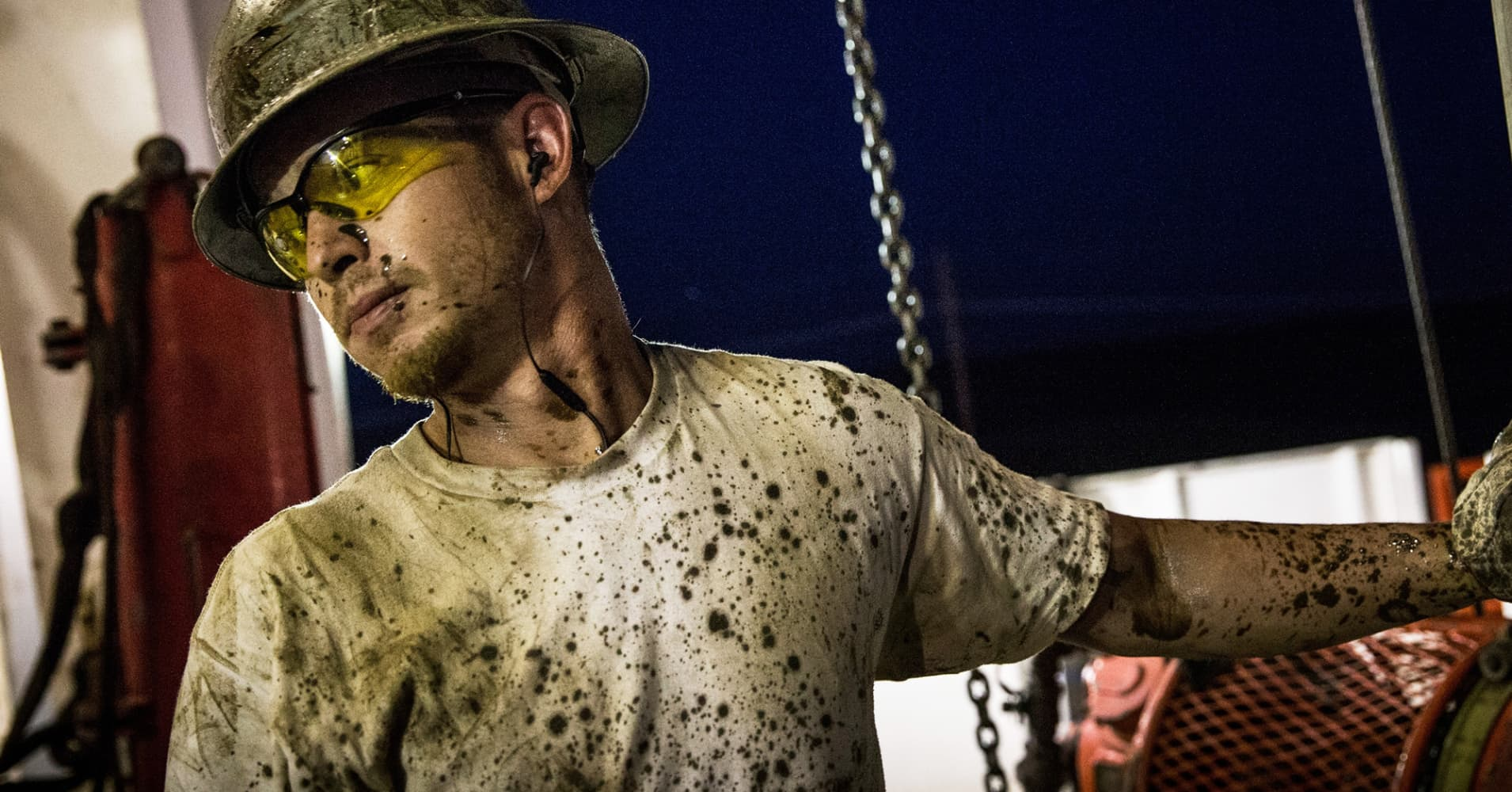 Wells Fargo's Scott Wren: Oil prices have 'dropped like a rock' but are finally nearing bottom