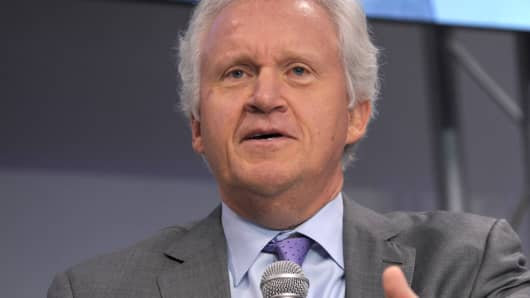 ceo jeffrey immelt and the reinvention of ge essay Ge sees the light by learning to manage innovation, jeffrey immelt is remaking america's flagship industrial corporation into a technology and marketing powerhouse.