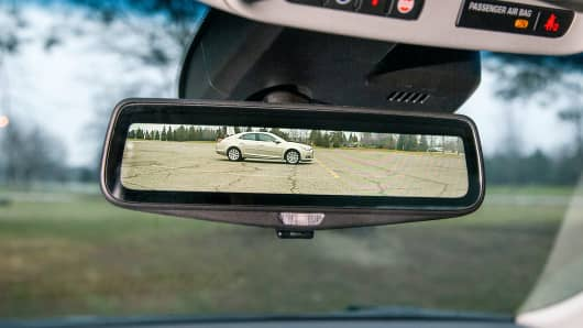 This high-tech rearview mirror will be featured in Cadillac's 2016 CT6.