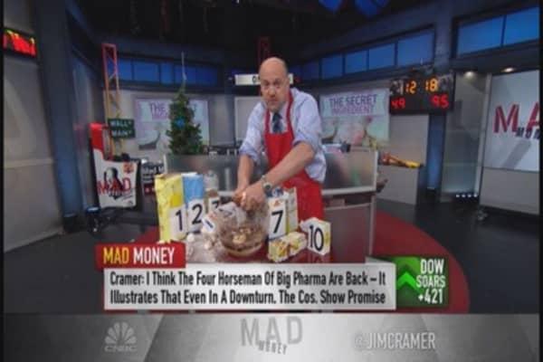 Cramer bakes a bull cake