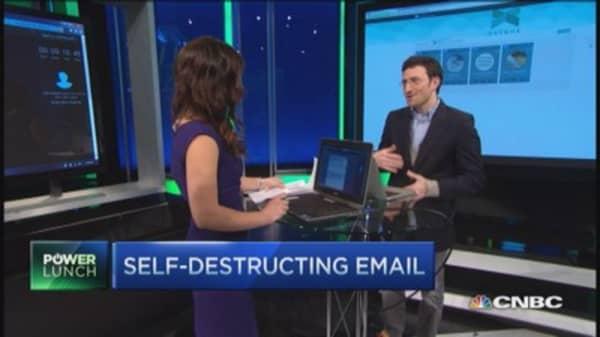 DSTRUX: Self-destruct what you share