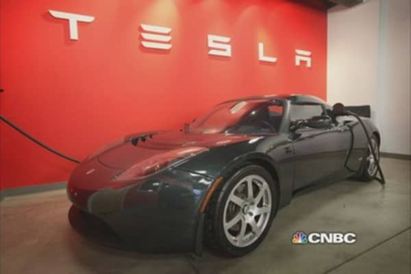 Tesla Roadster getting facelift?
