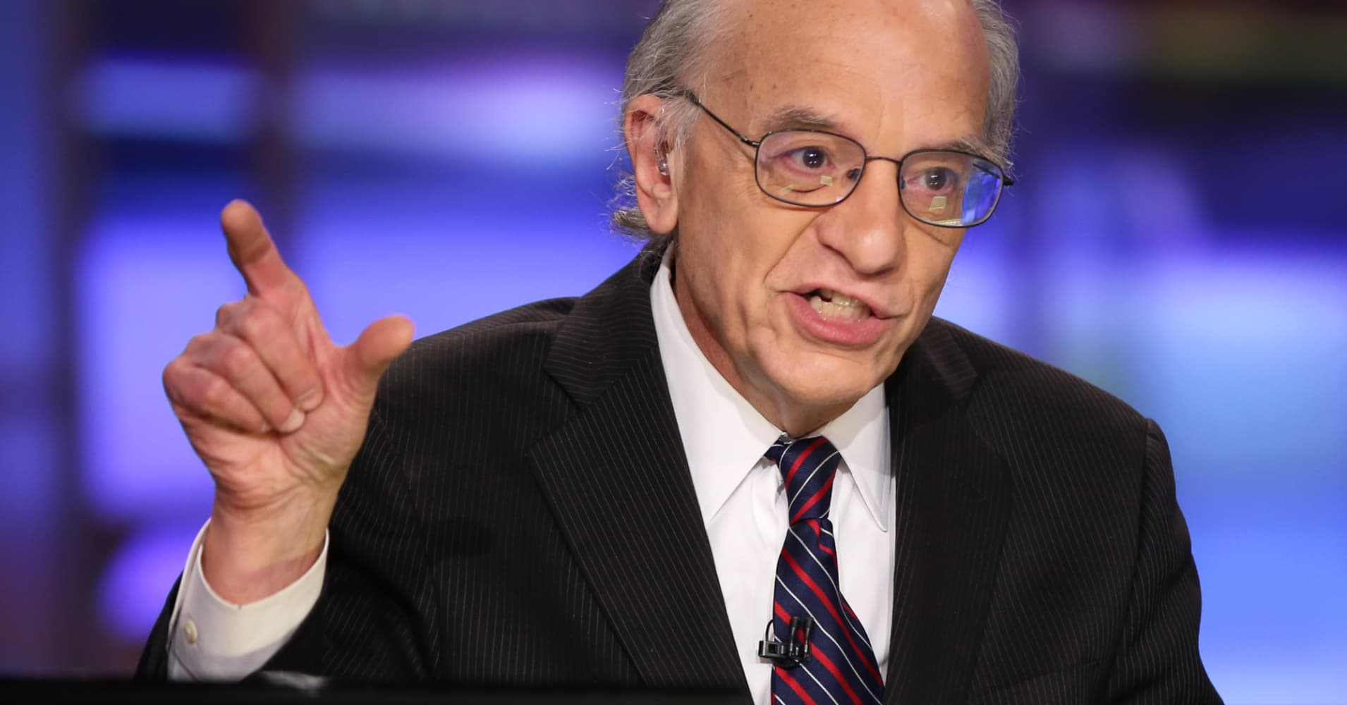 Longtime bull Jeremy Siegel urges caution, says stocks could see a flat 2019