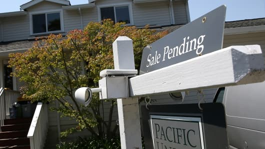 Pending sales sputter in August